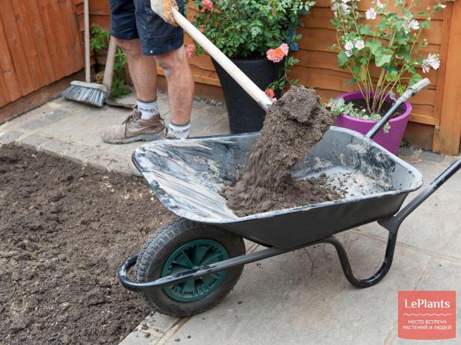 как уложить искусственный газон