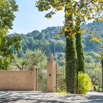 Lancôme становится владельцем старинного поместья на Лазурном берегу Франции